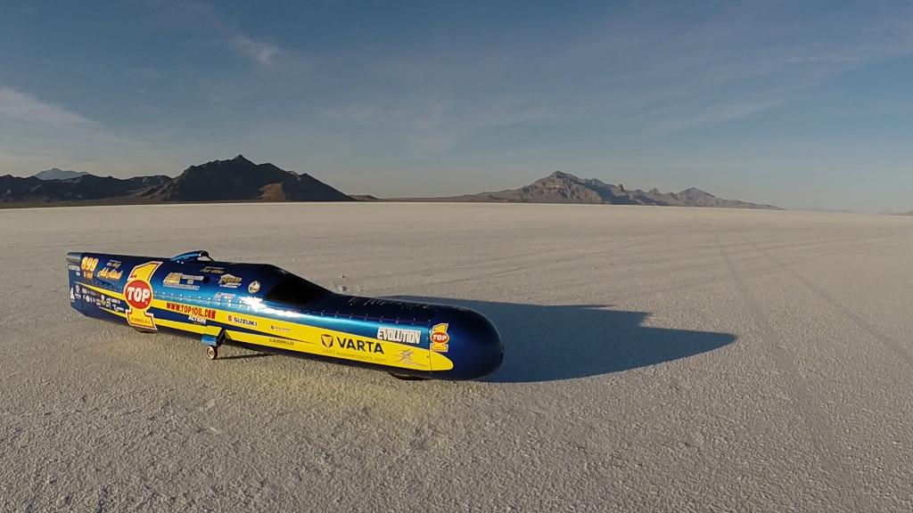 L'engin le plus rapide du monde sur deux roues, avec double moteur de Suzuki Hayabusa suralimenté.