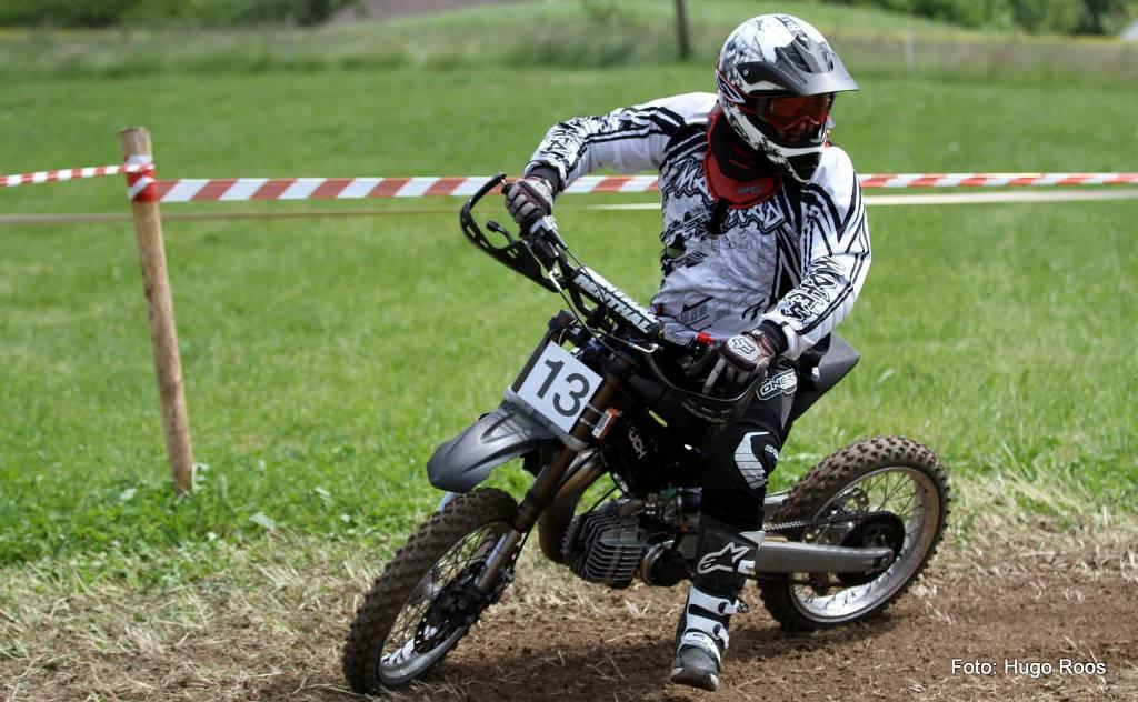 Le vélomoteur façon motocross, c'est sympa.