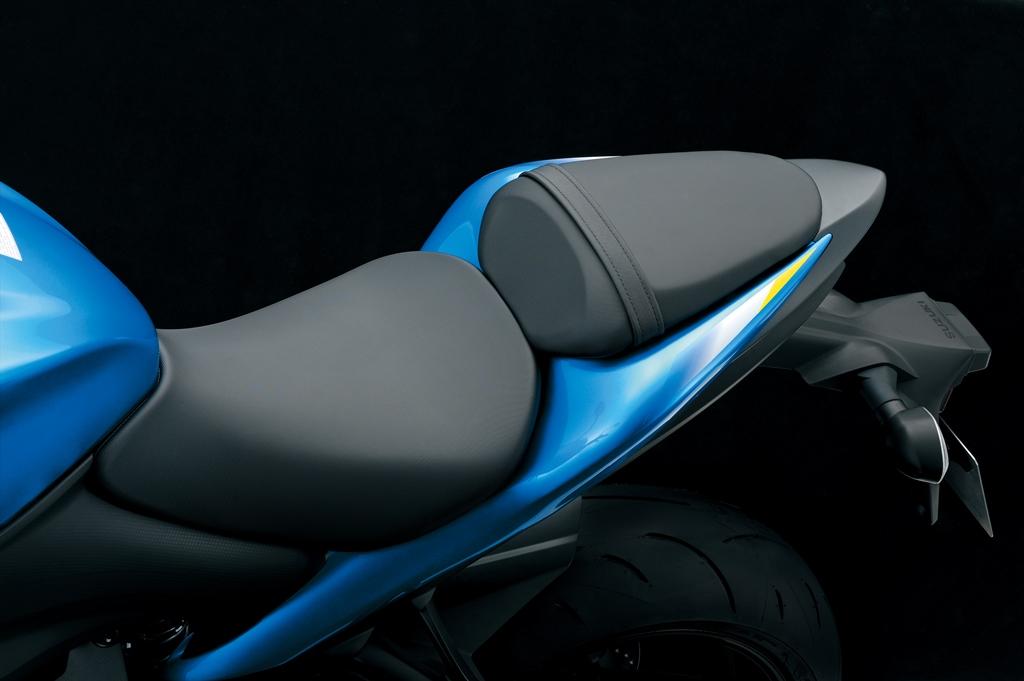 Suzuki gsx s 1000 une usine sensations arriv e tardivement du japon actu moto - 1m70 en pied ...
