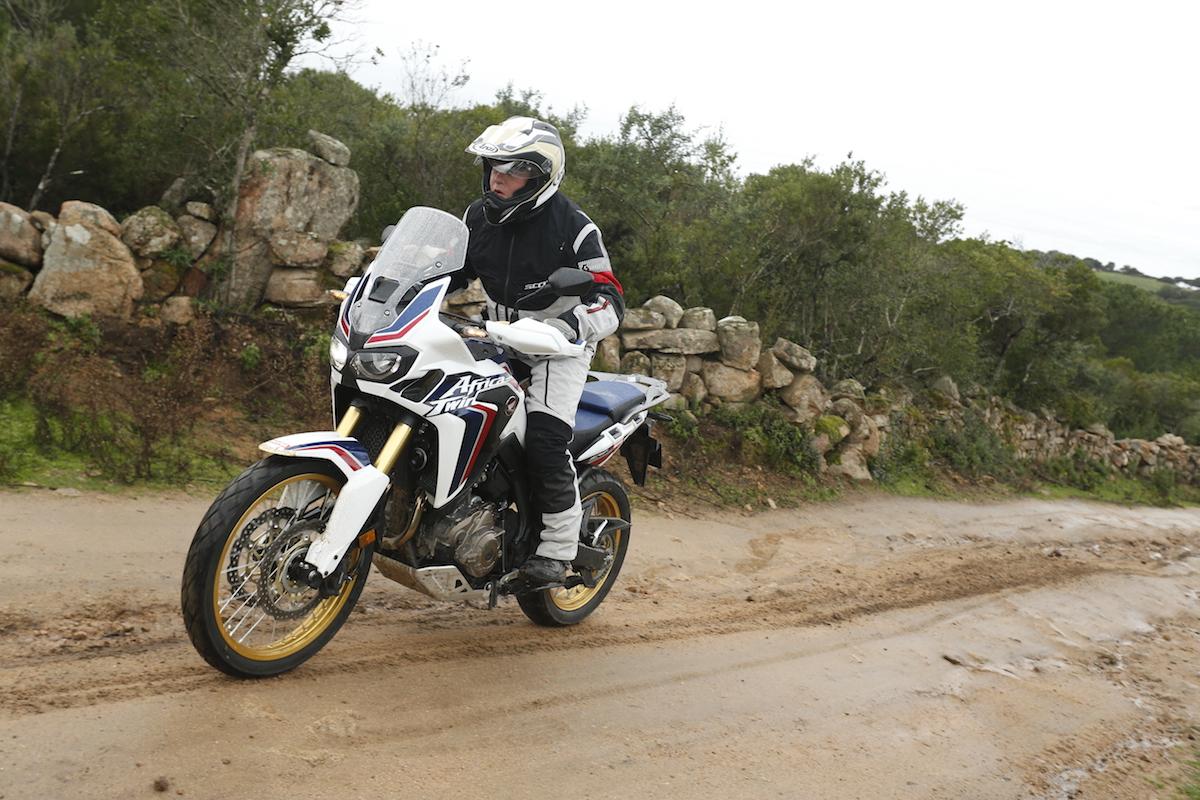 deuxi me essai de l 39 africa twin 2016 apr s l 39 afrique du sud aride la corse humide actu moto. Black Bedroom Furniture Sets. Home Design Ideas