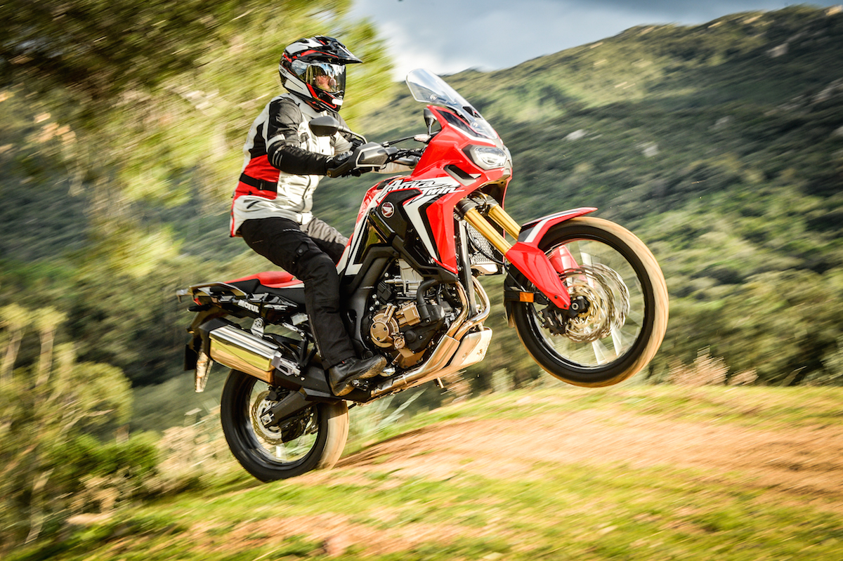 deuxi me essai de l 39 africa twin 2016 apr s l 39 afrique du. Black Bedroom Furniture Sets. Home Design Ideas