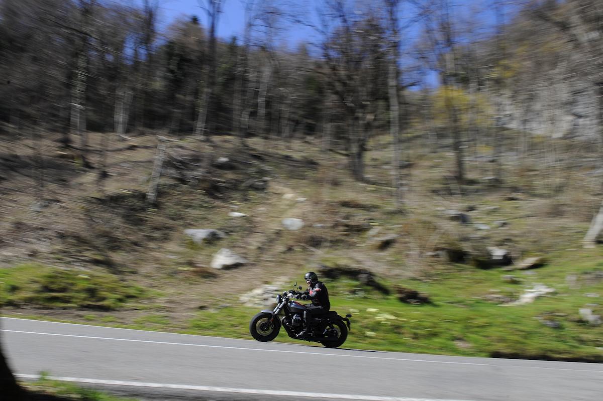 MotoGuzzi_V9_Bobber_small14