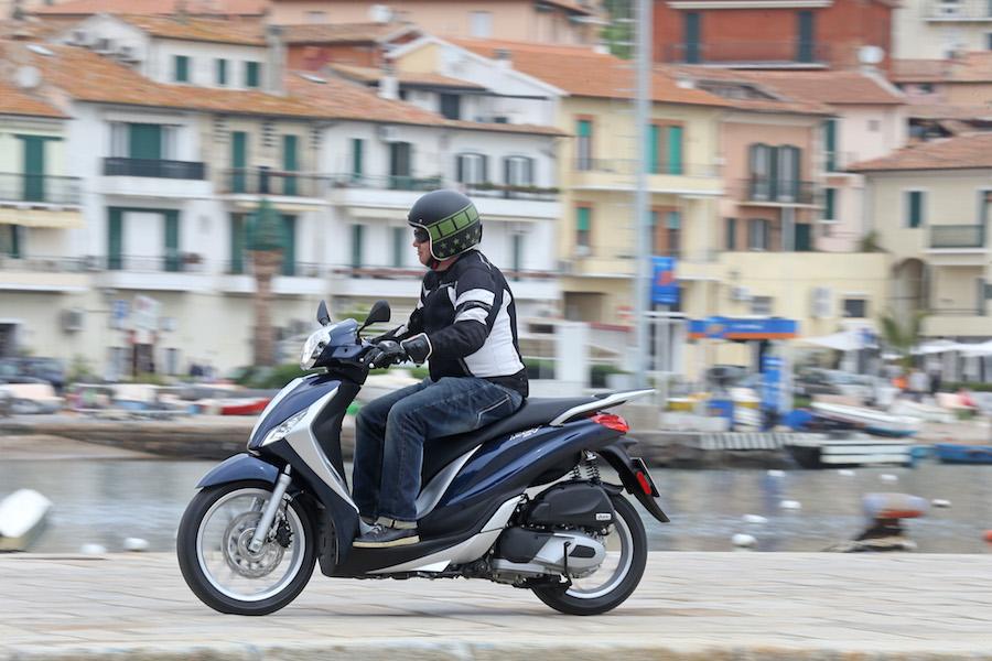 Piaggio_Medley125_21small