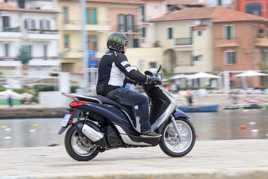 Piaggio_Medley125_25small