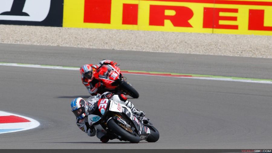Assen: De Rosa mène sa BMW à la victoire en Superstock 1000, les Suisses pas dans les points