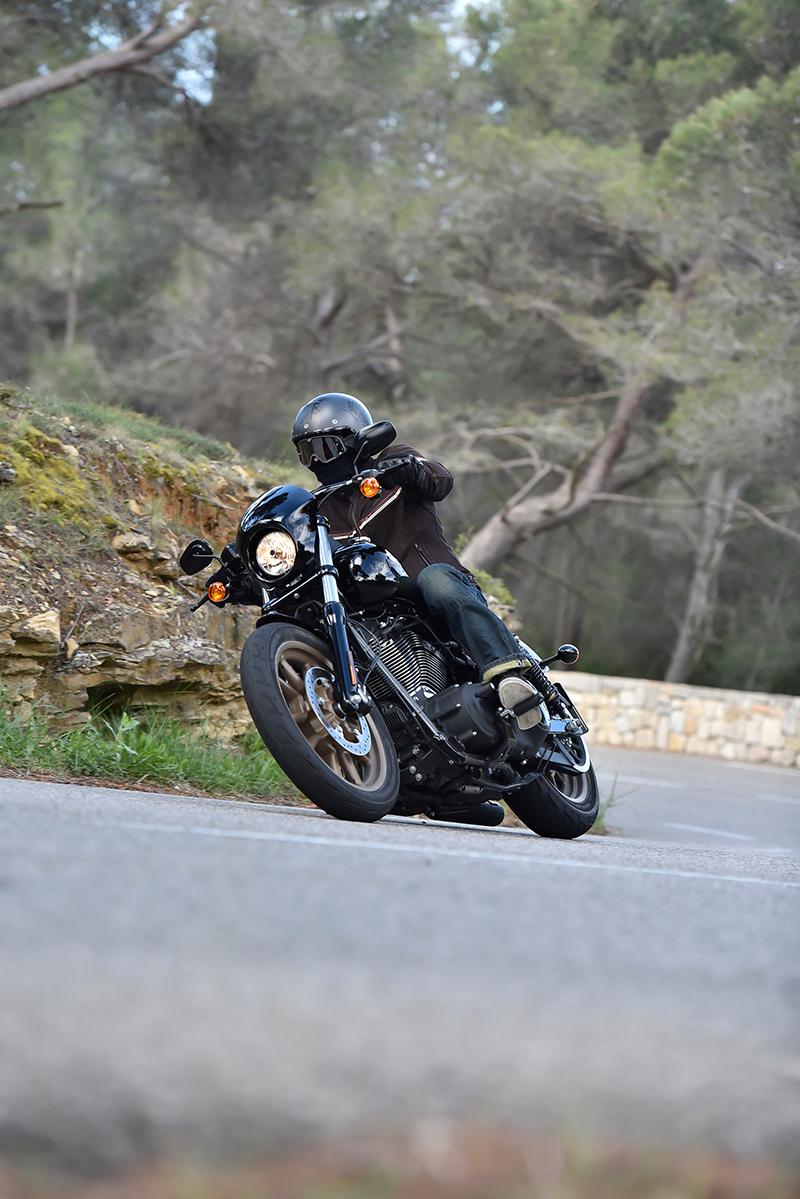 Low-Rider-S_T
