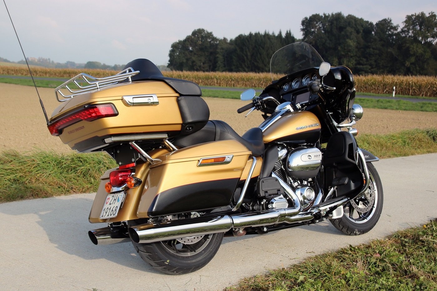 indianroadmaster_h-dultralimited_cotearr_hdsmall
