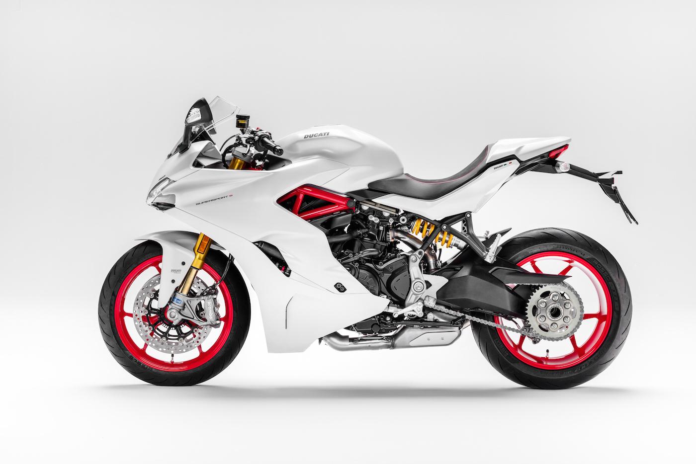 Ducati_Supersport_S_blanche_small3