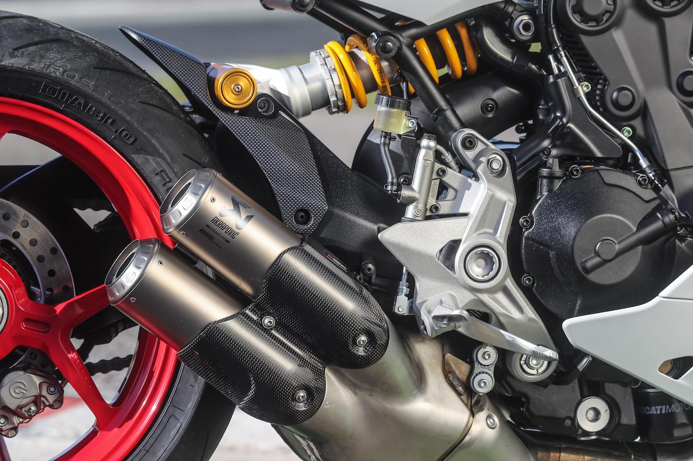 Ducati_Supersport_S_smalldet16