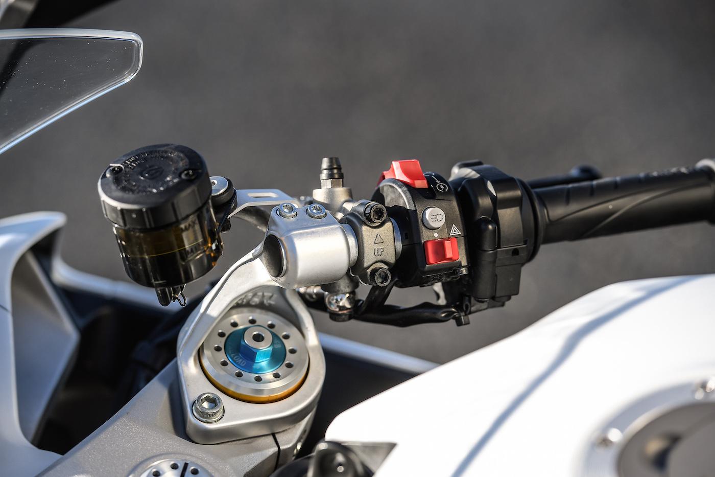 Ducati_Supersport_S_smalldet7