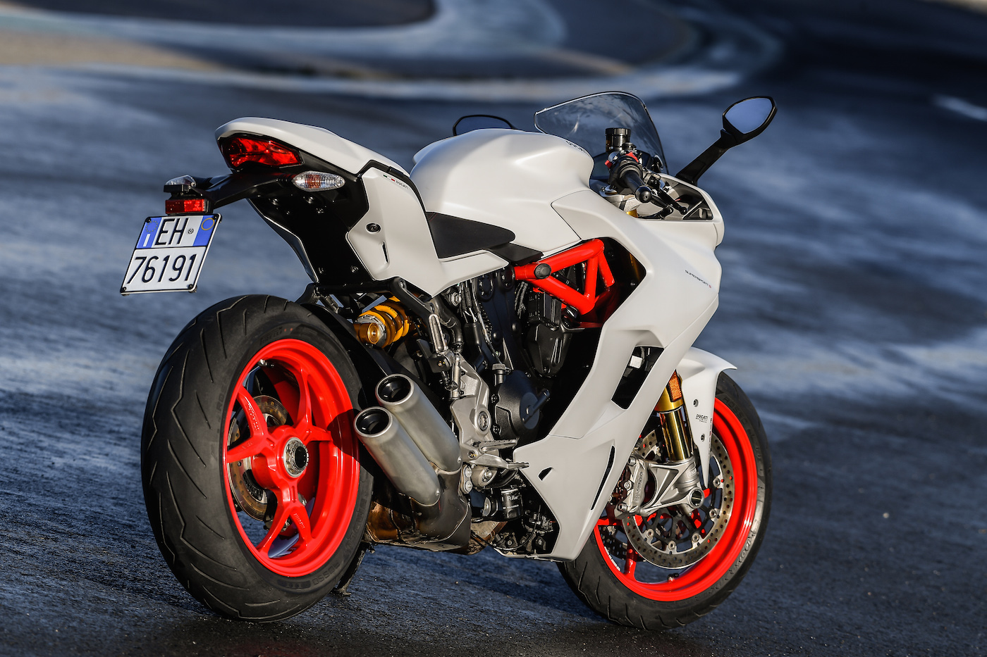 Ducati_Supersport_S_smallstatic2