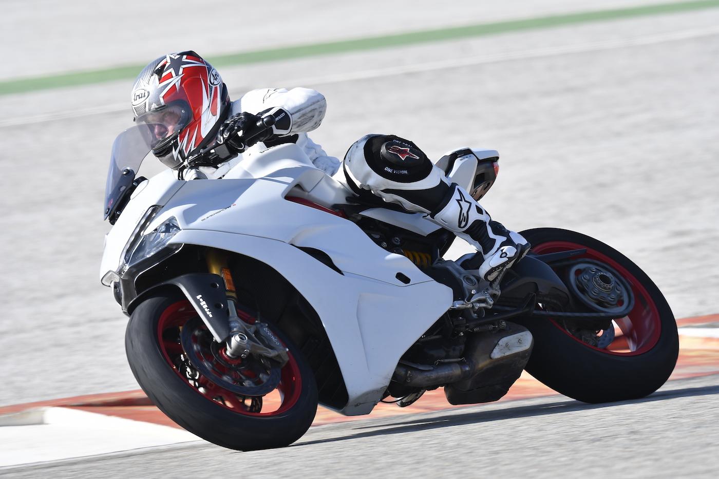 Ducati_Supersport_S_smalltrack2
