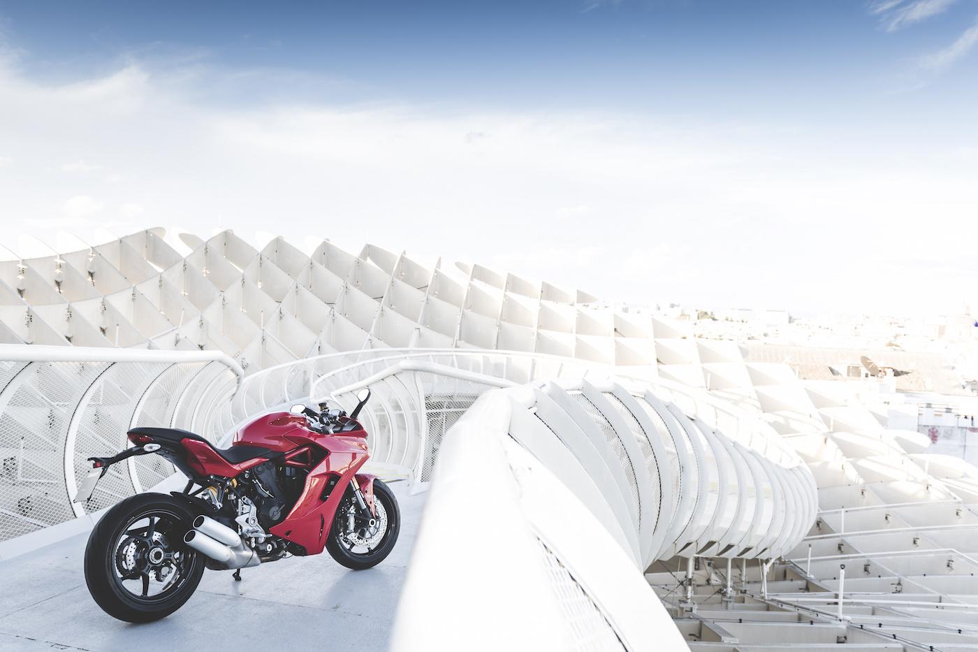 Ducati_Supersport_smallstatic1