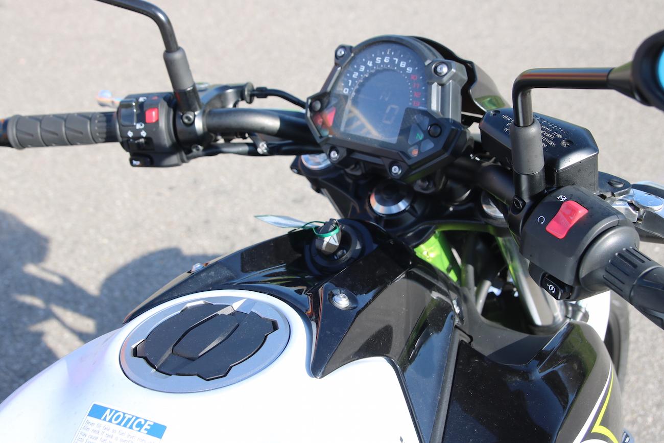 Kawasaki_Z650_dét_small5