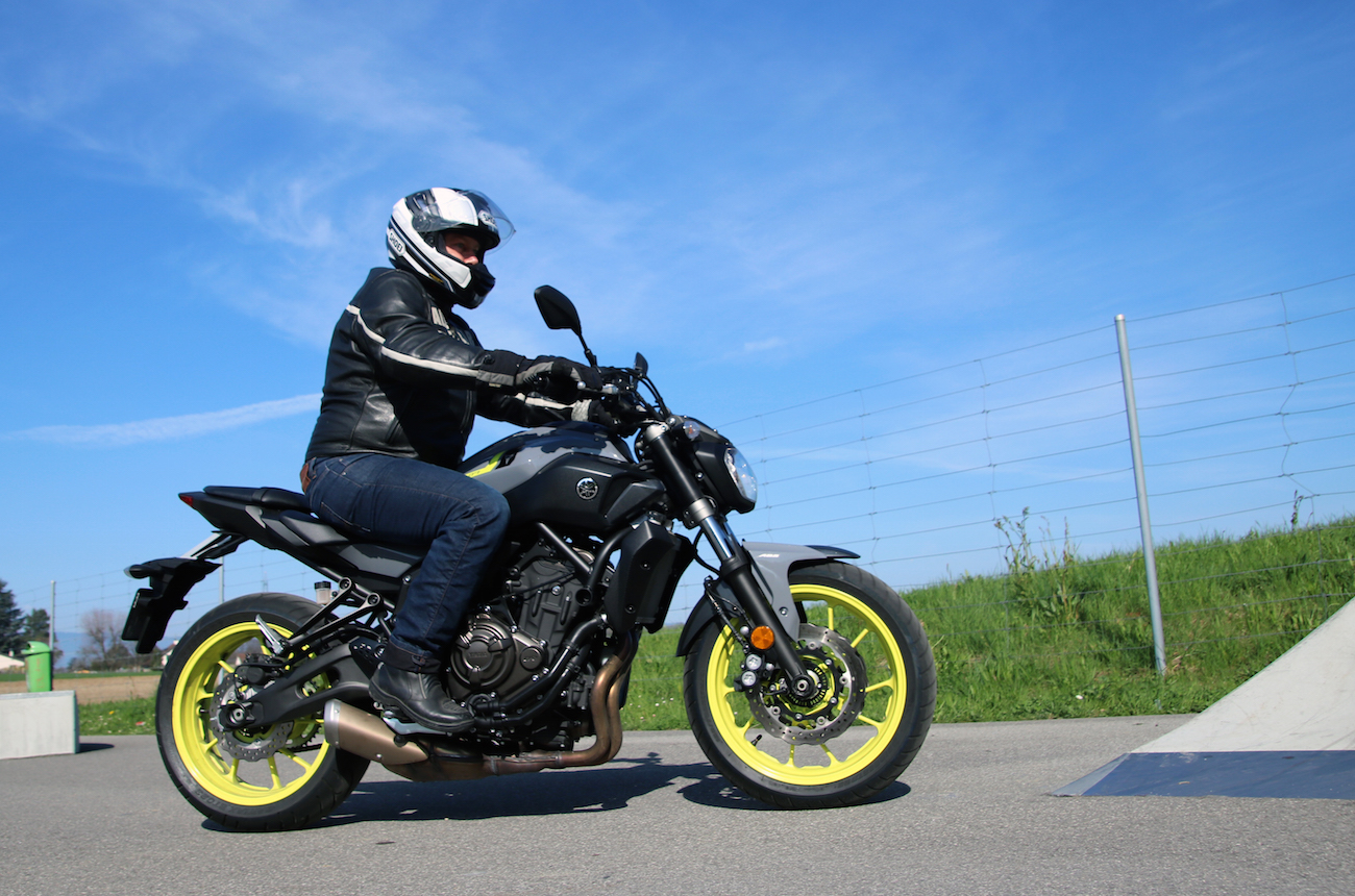 Yamaha_MT07_action_small1