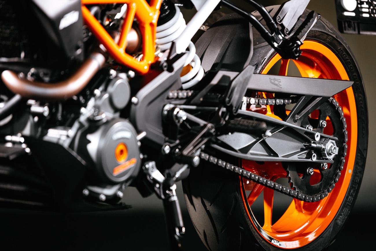KTM_390_Duke_smalldet3