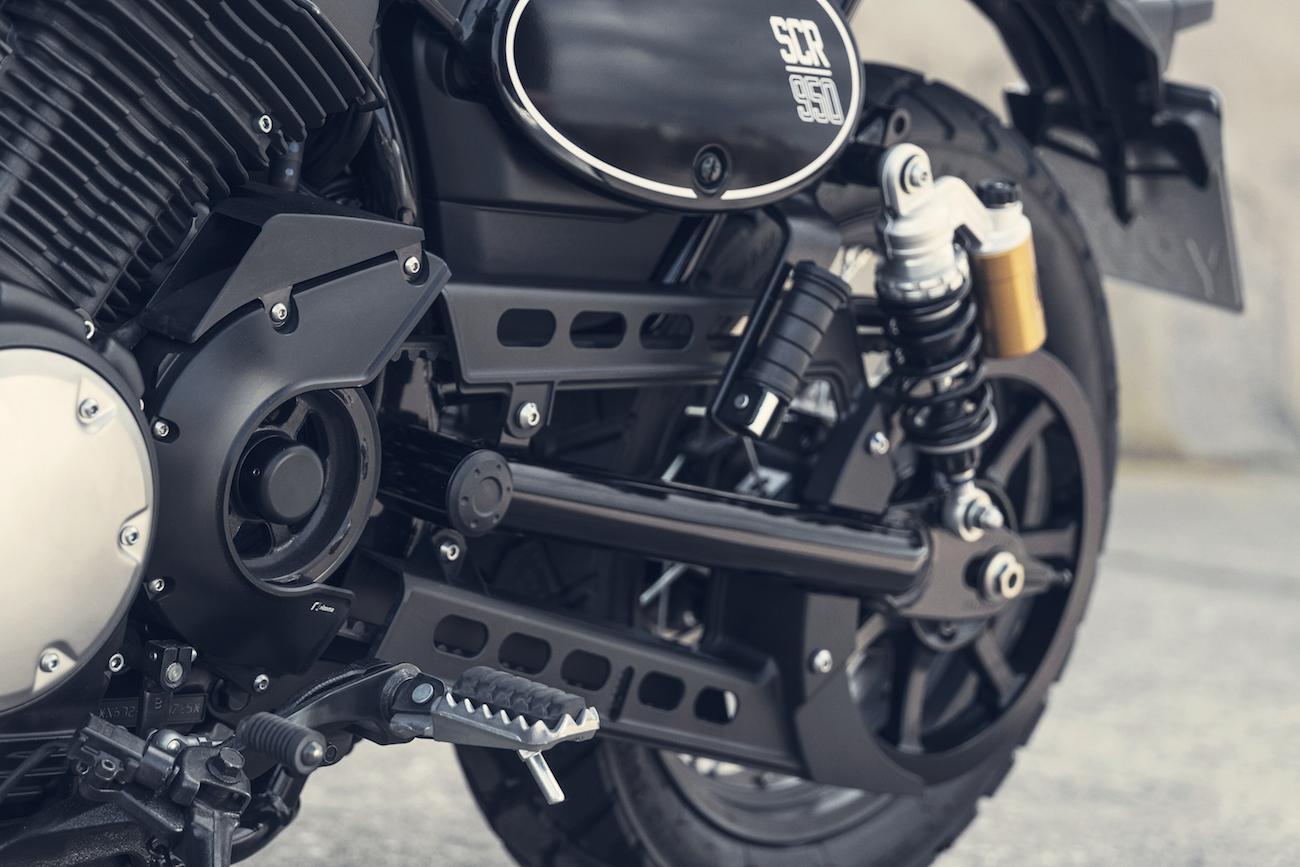 Yamaha_SCR950_smallDet_012
