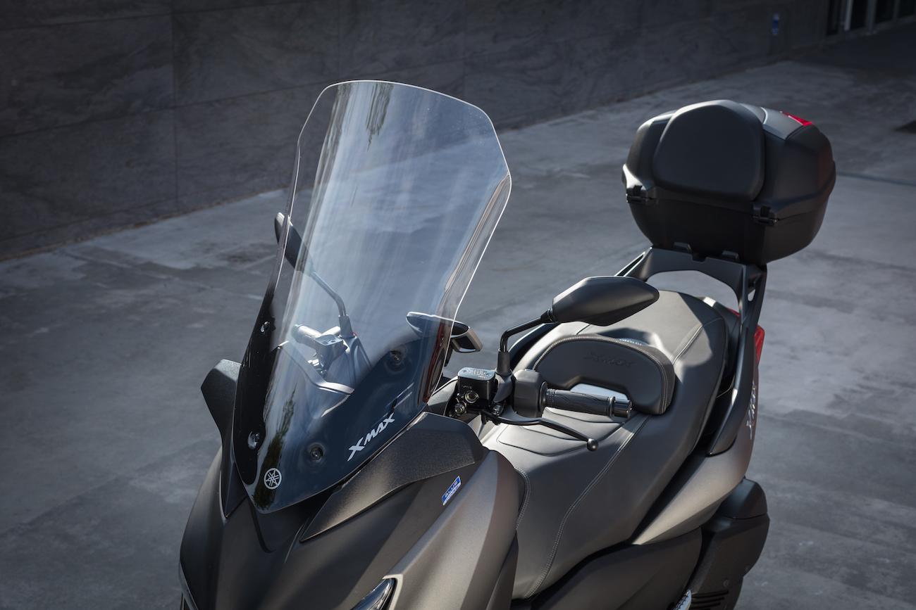 Yamaha_X-MAX300_Stat_Touringsmall3