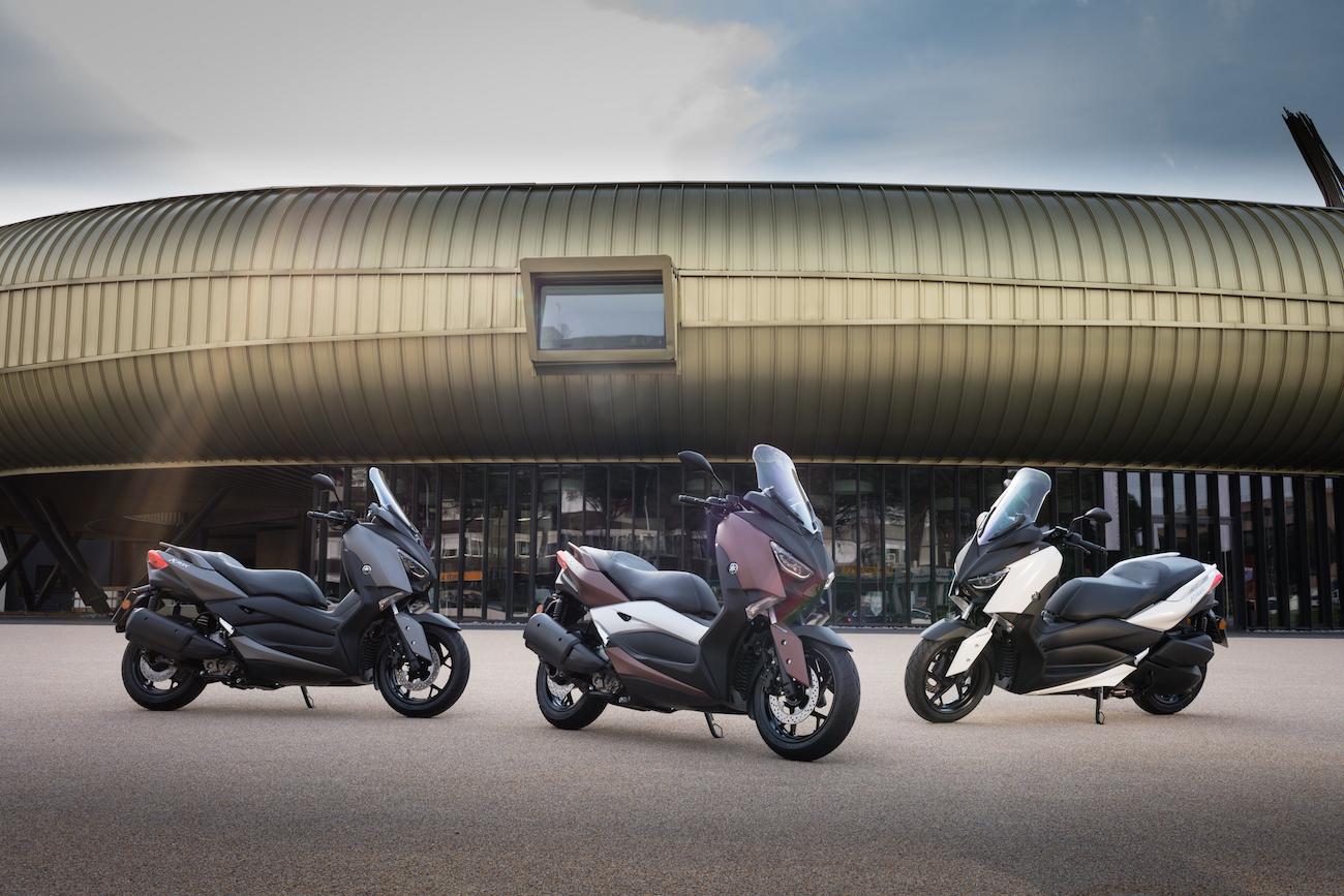 Yamaha_X-MAX300_lineup_small1