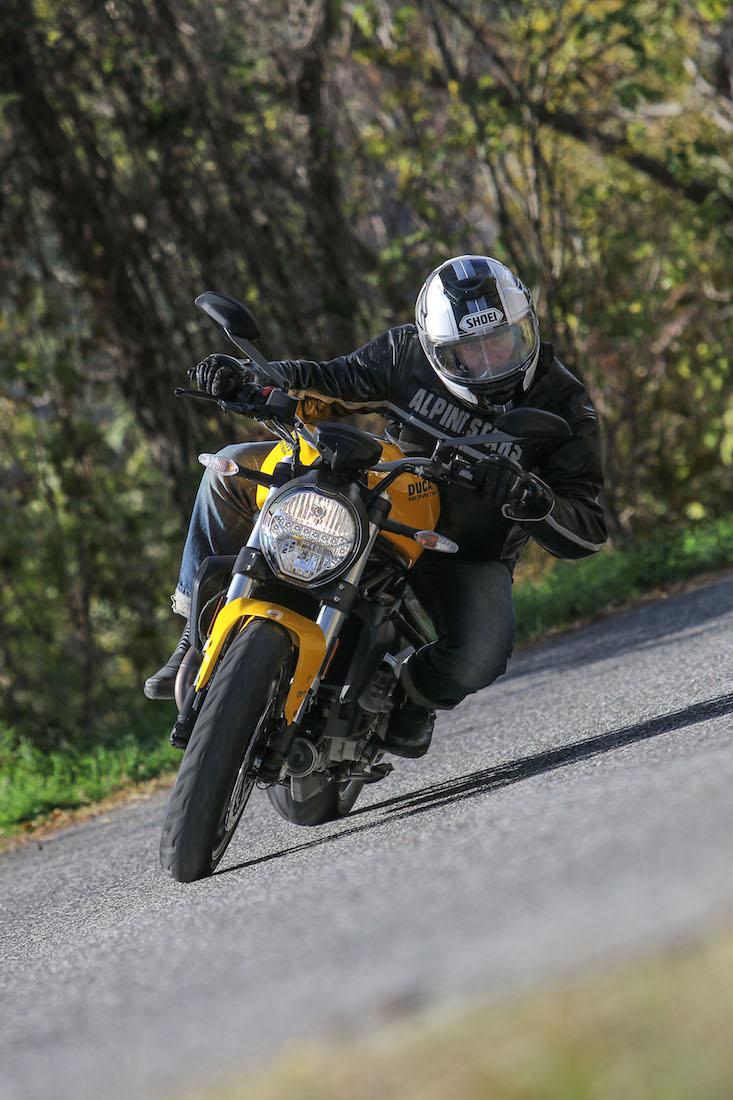 Ducati_Monster821_small1198