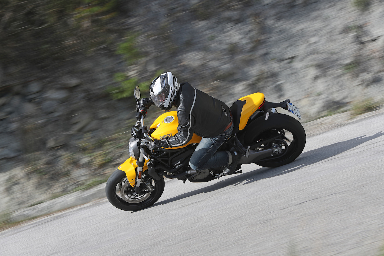 Ducati_Monster821_small1688