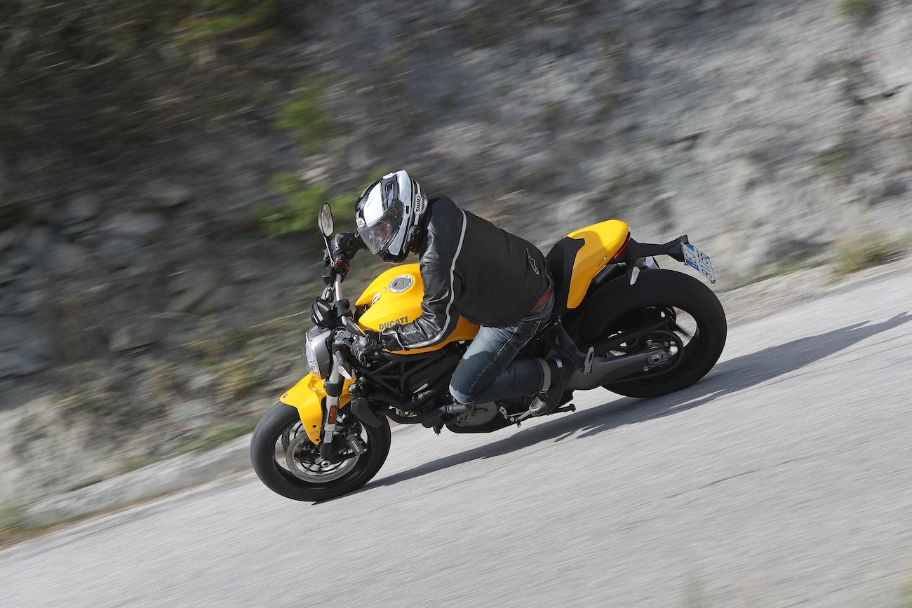 Ducati_Monster821_small1688