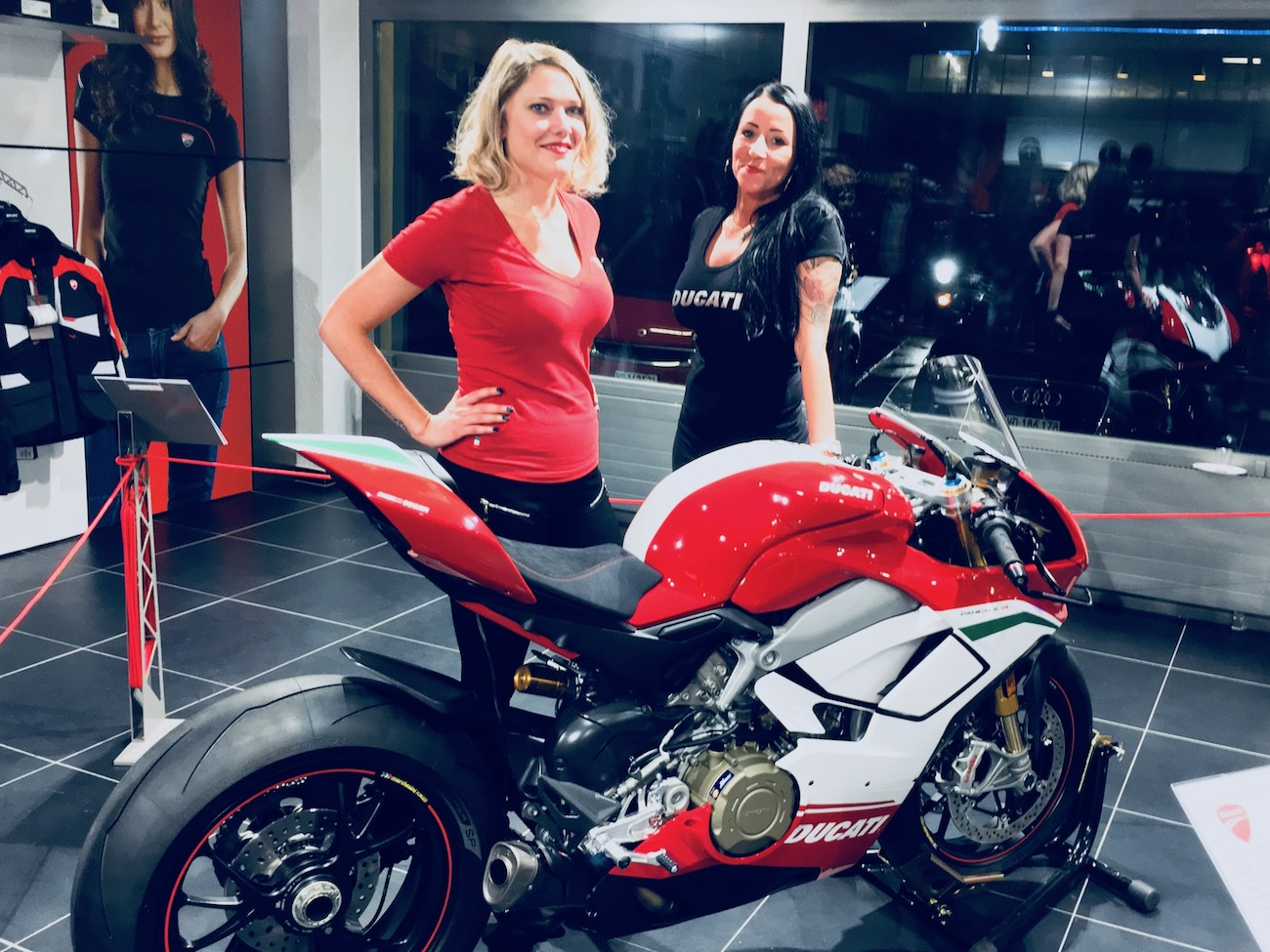 Ducati Panigale V4 fait le tour de Suisse