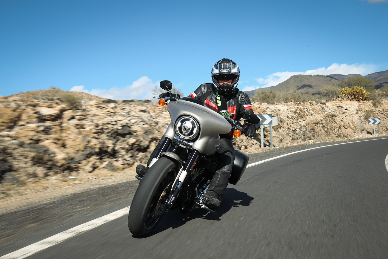Harley_Sport_Glidesmall_dynagreyfairing9