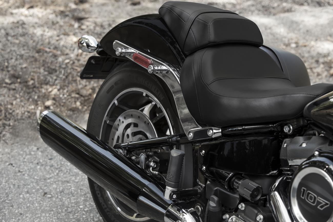 Harley_018_Sport_Glide_valisesoff02