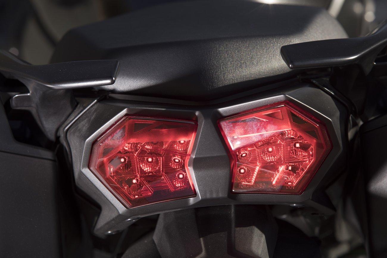 Kawasaki_NinjaH2SX_det_3