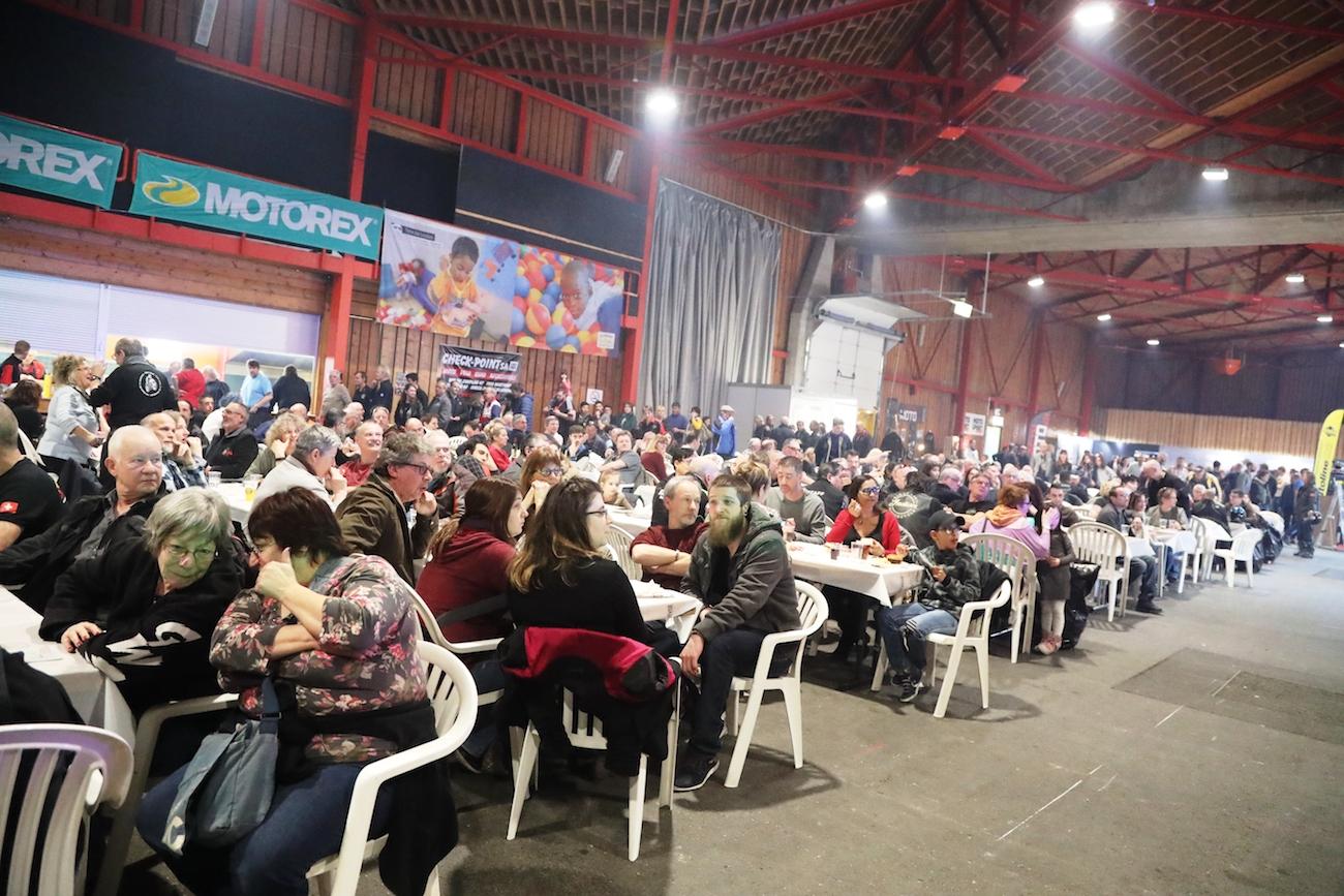 Expo-Moto_Martigny_018small_cantine_RLAA1I2454