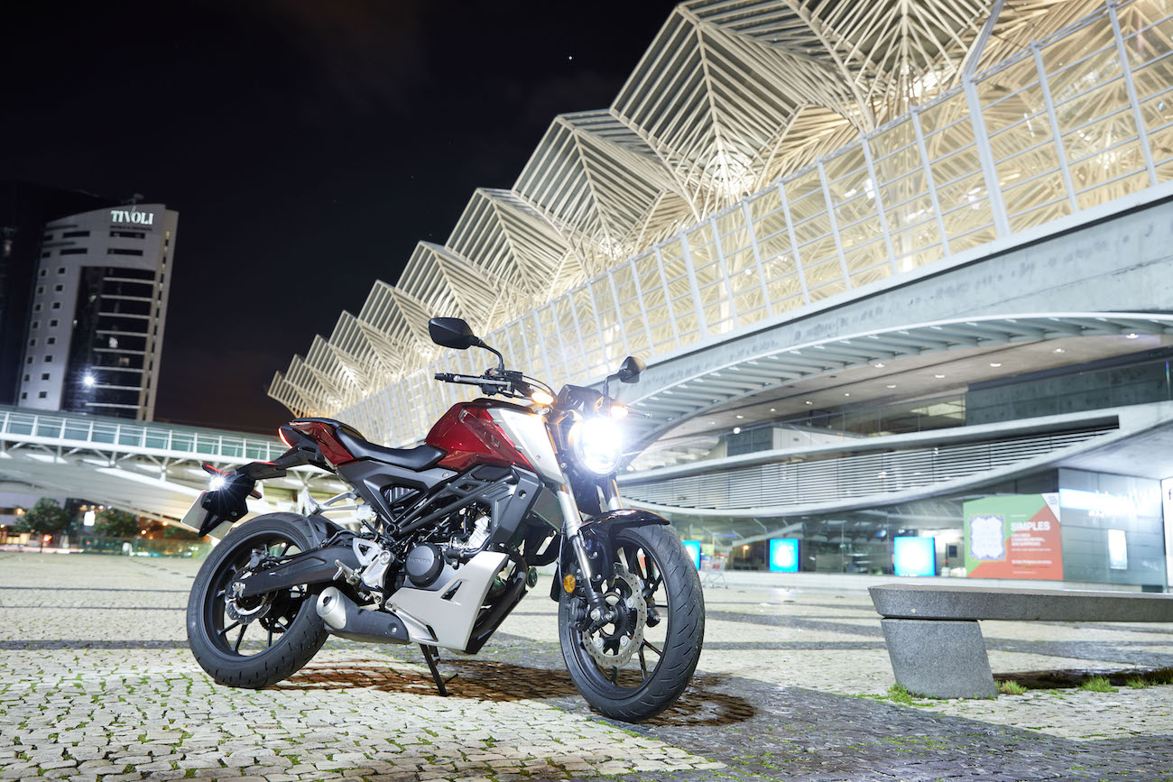 Honda_CB125Rsmall_statred_324