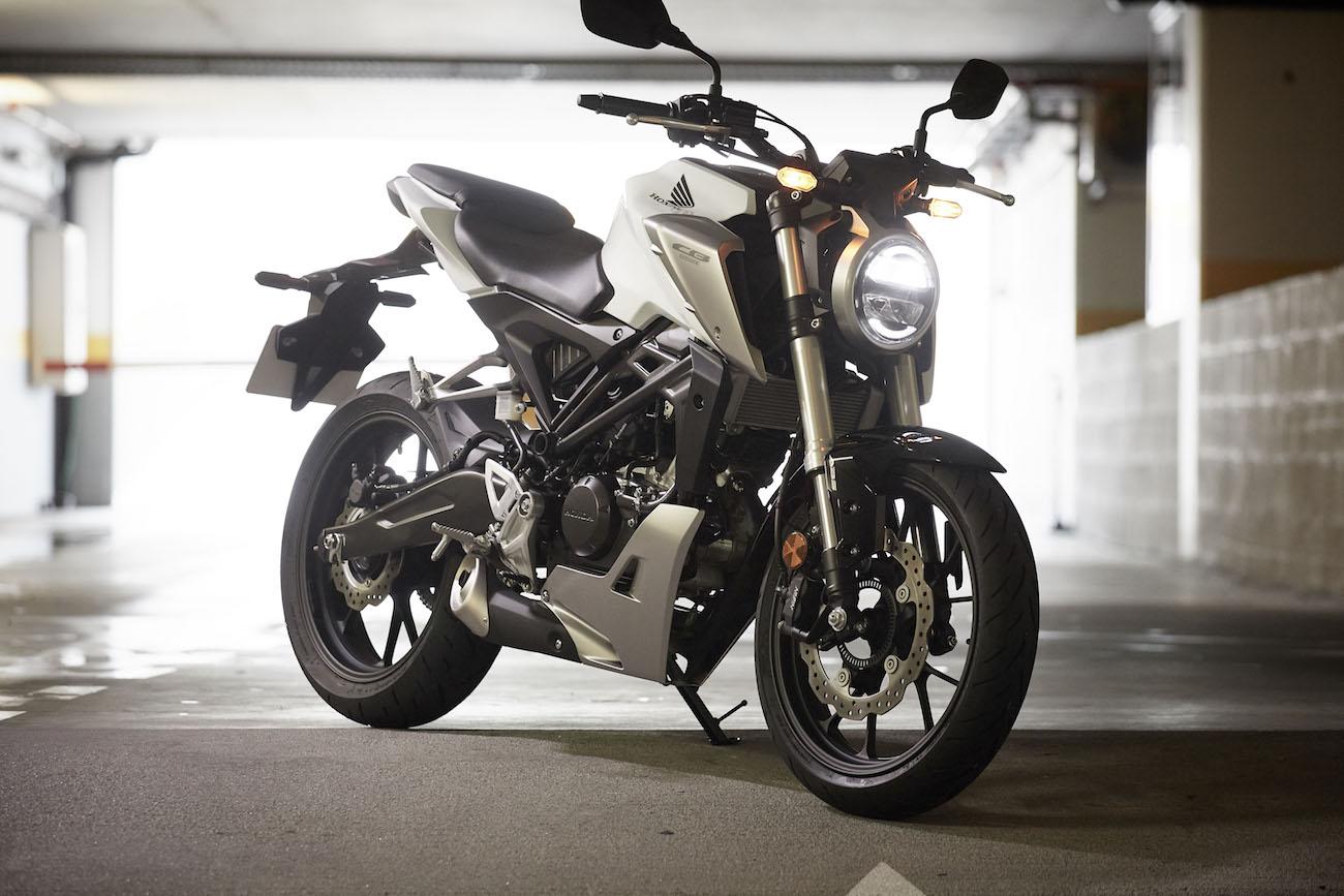 Honda_CB125Rsmall_statwhite_345