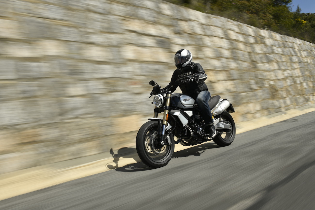 Scrambler_Ducati_1100small_Special_Tracking_AC30164