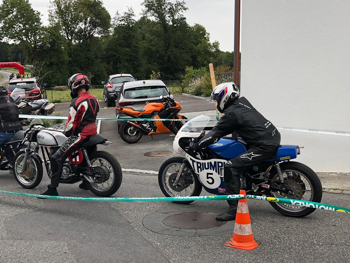 motos anciennes ont envahi Corcelles