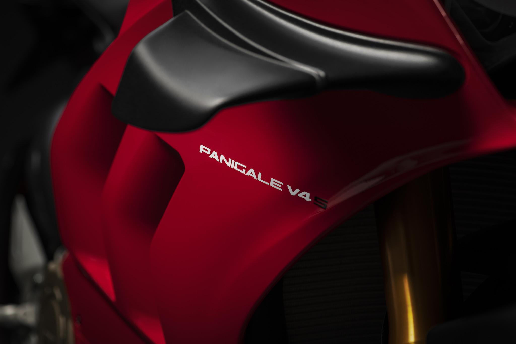 Ducati ailettes
