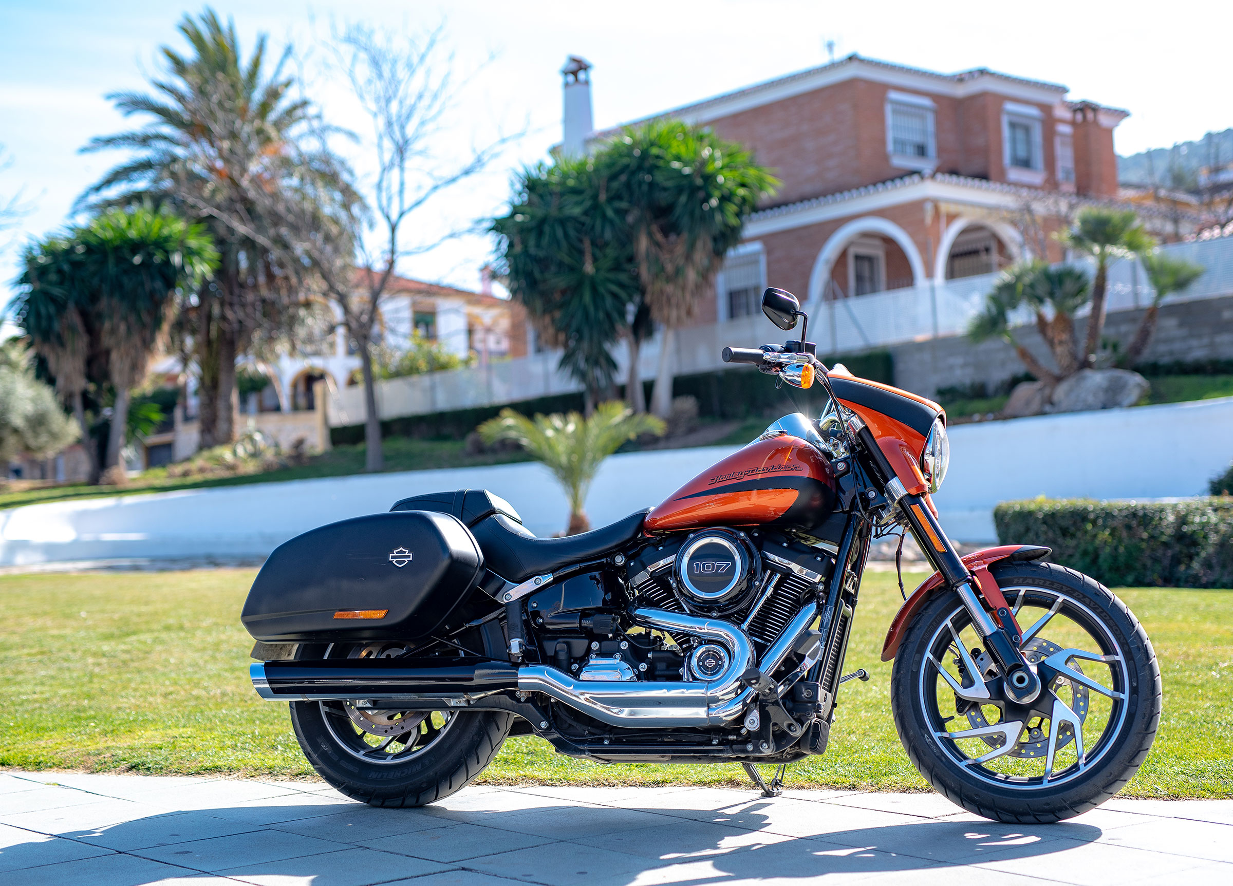 Harley-Davidsson Sport Glide.