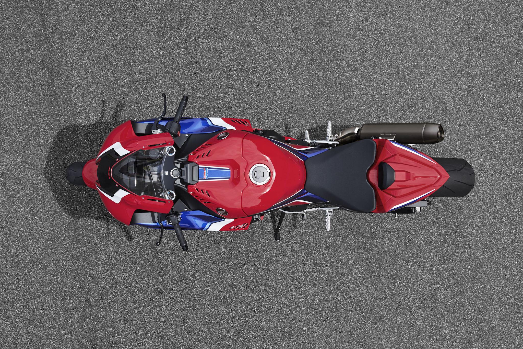 Honda_CBR_1000_RR-R_Fireblade_statsmall_0488