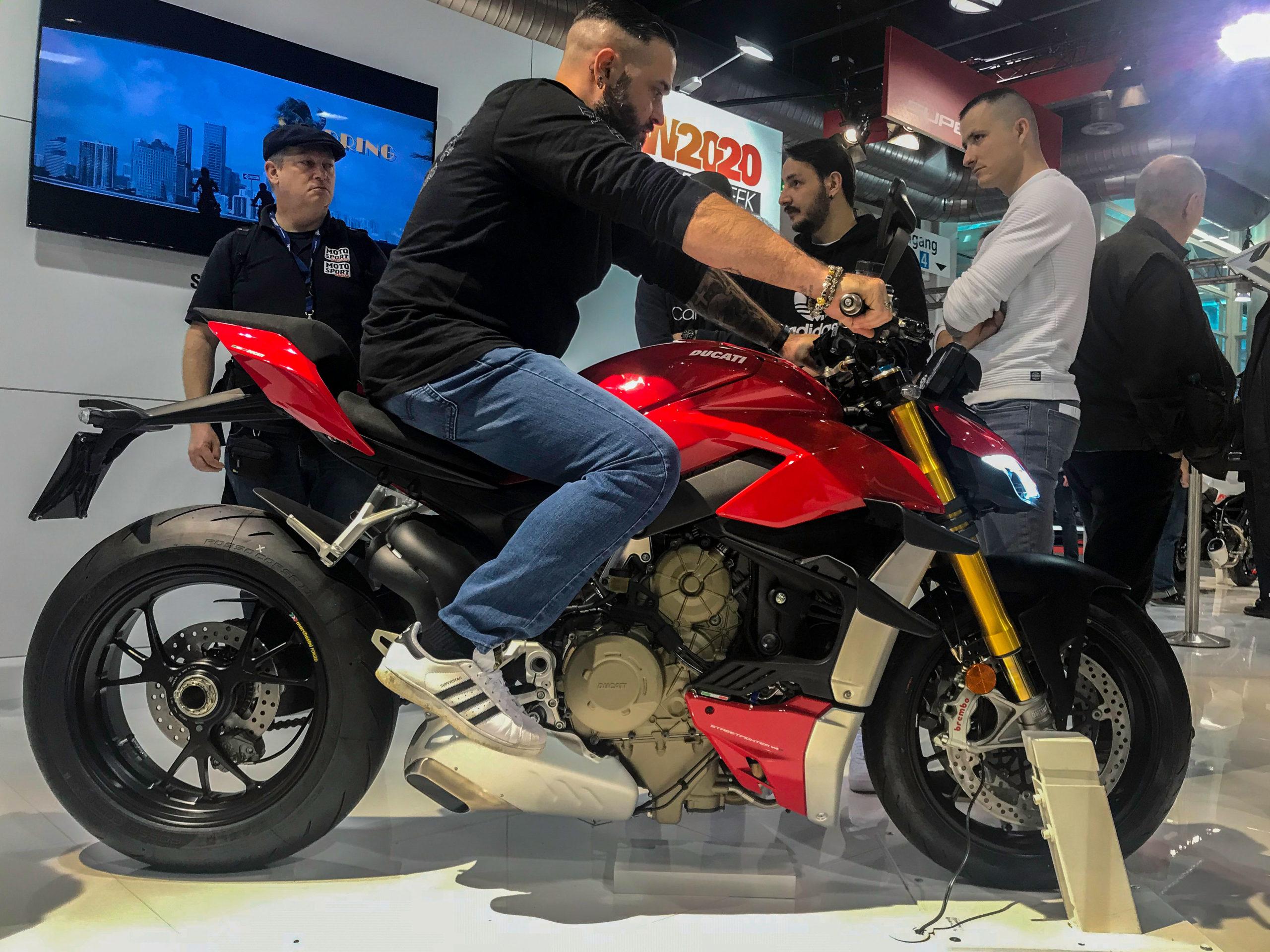 Salon moto 12