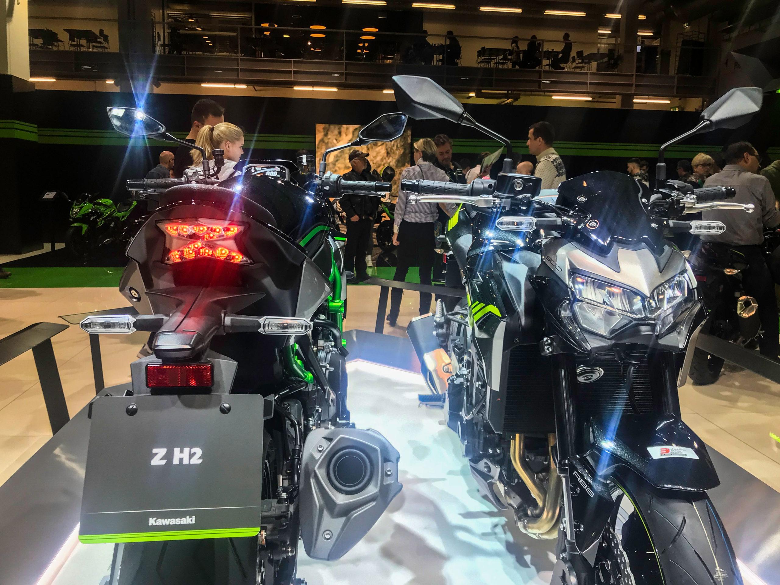 Salon moto 17