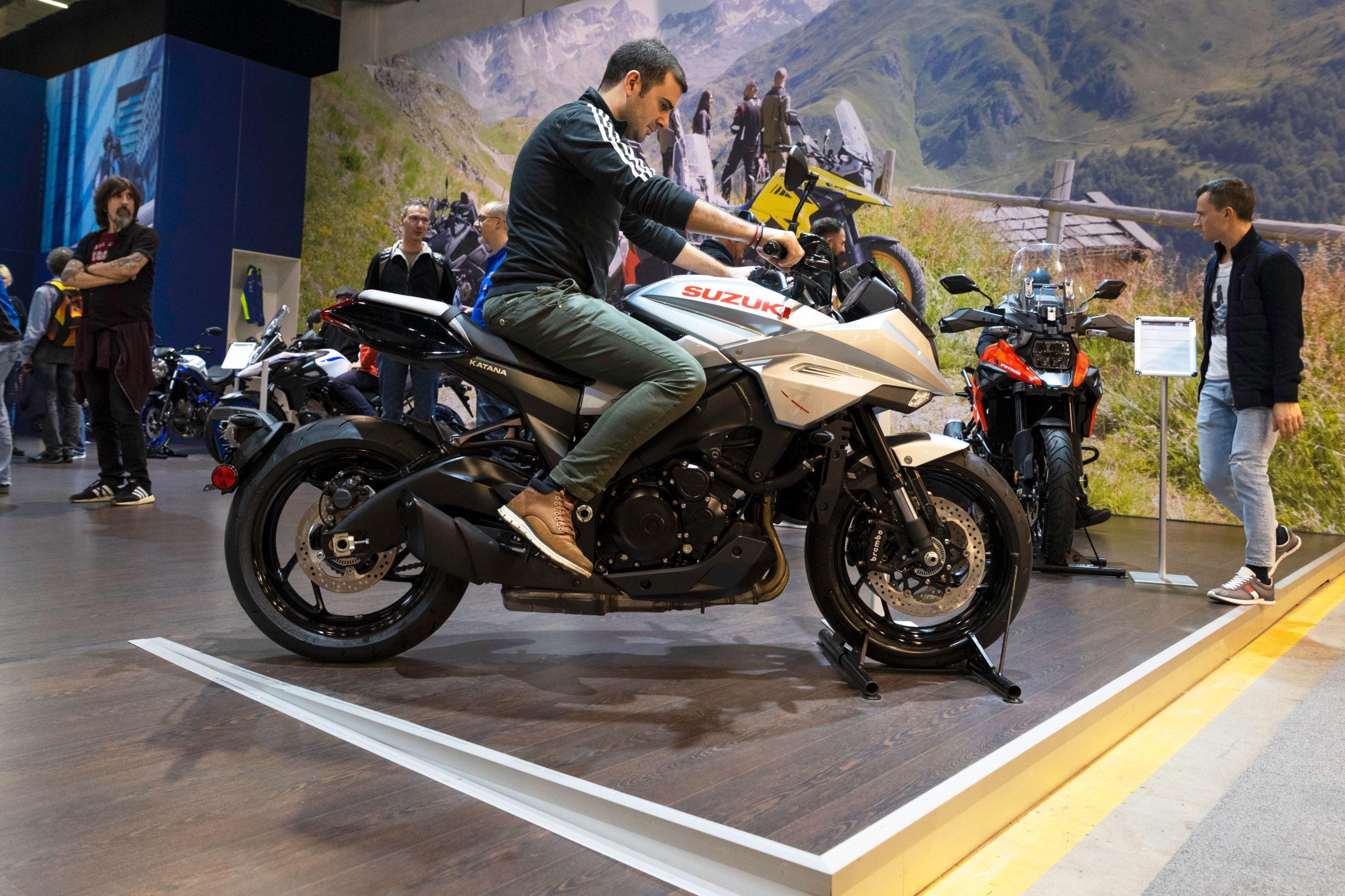 Salon moto 19