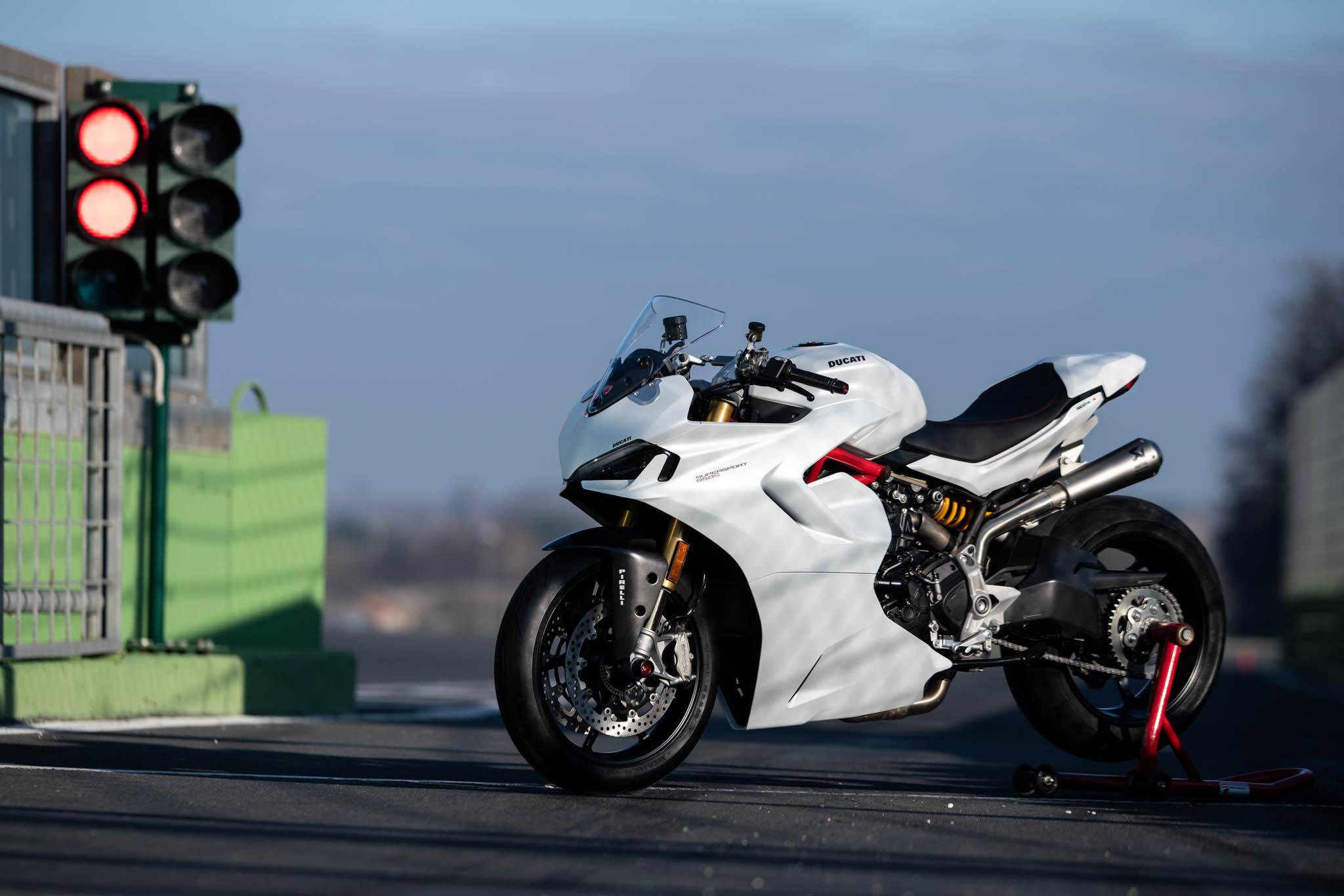 Ducati_SuperSport_950_2021_Performance-13