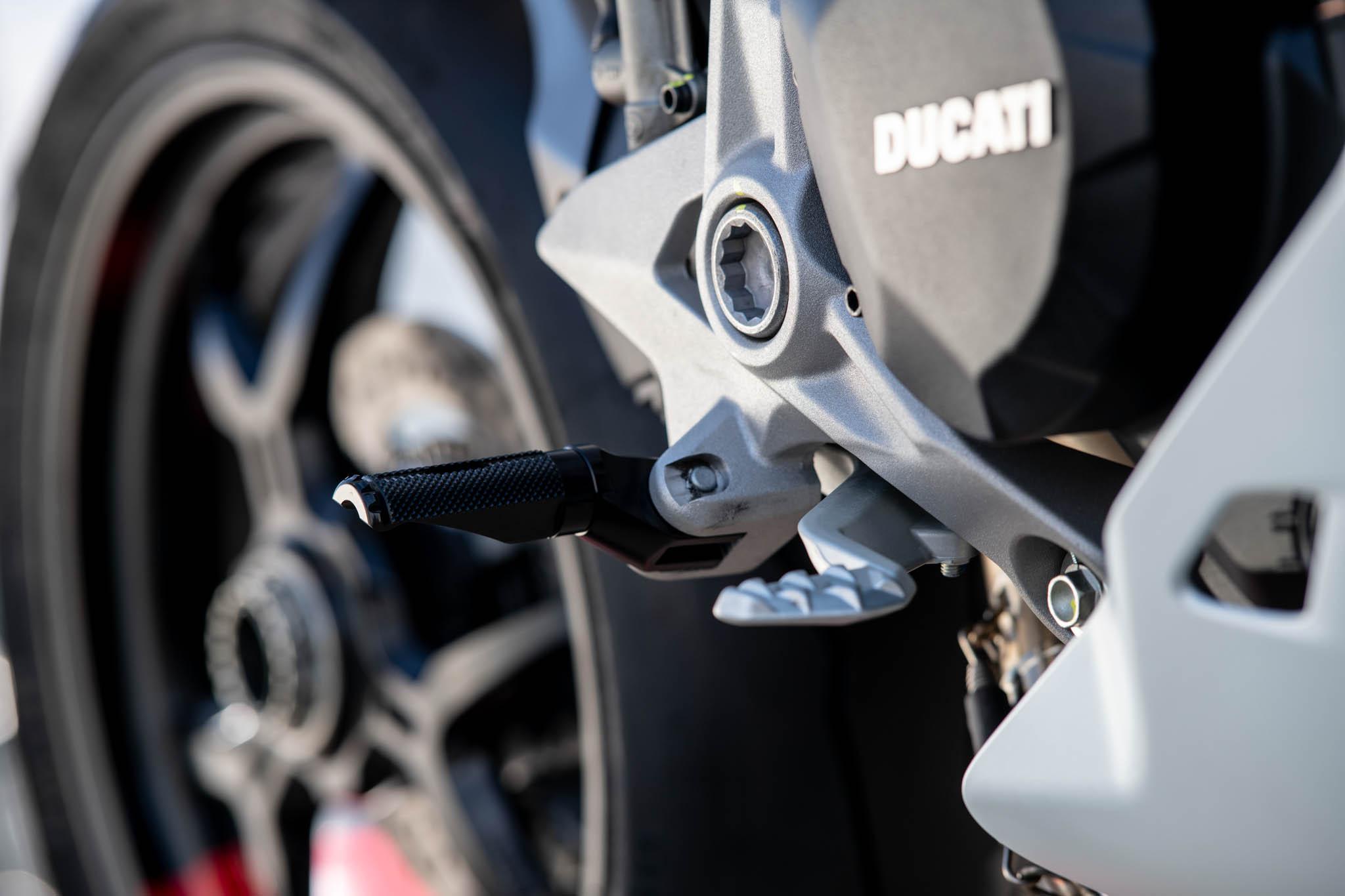 Ducati_SuperSport_950_2021_Performance-9