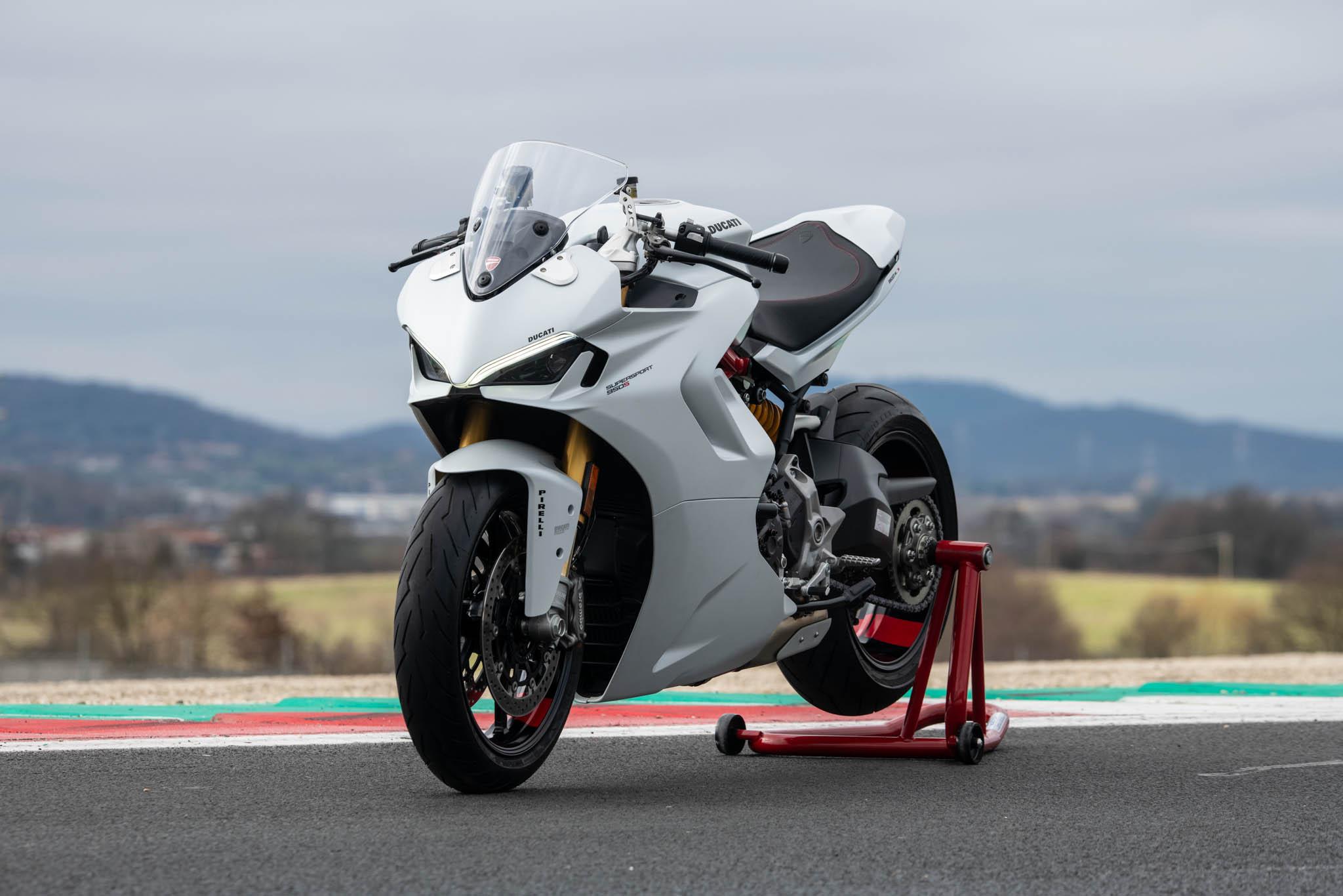 Ducati_SuperSport_950_2021_details-12