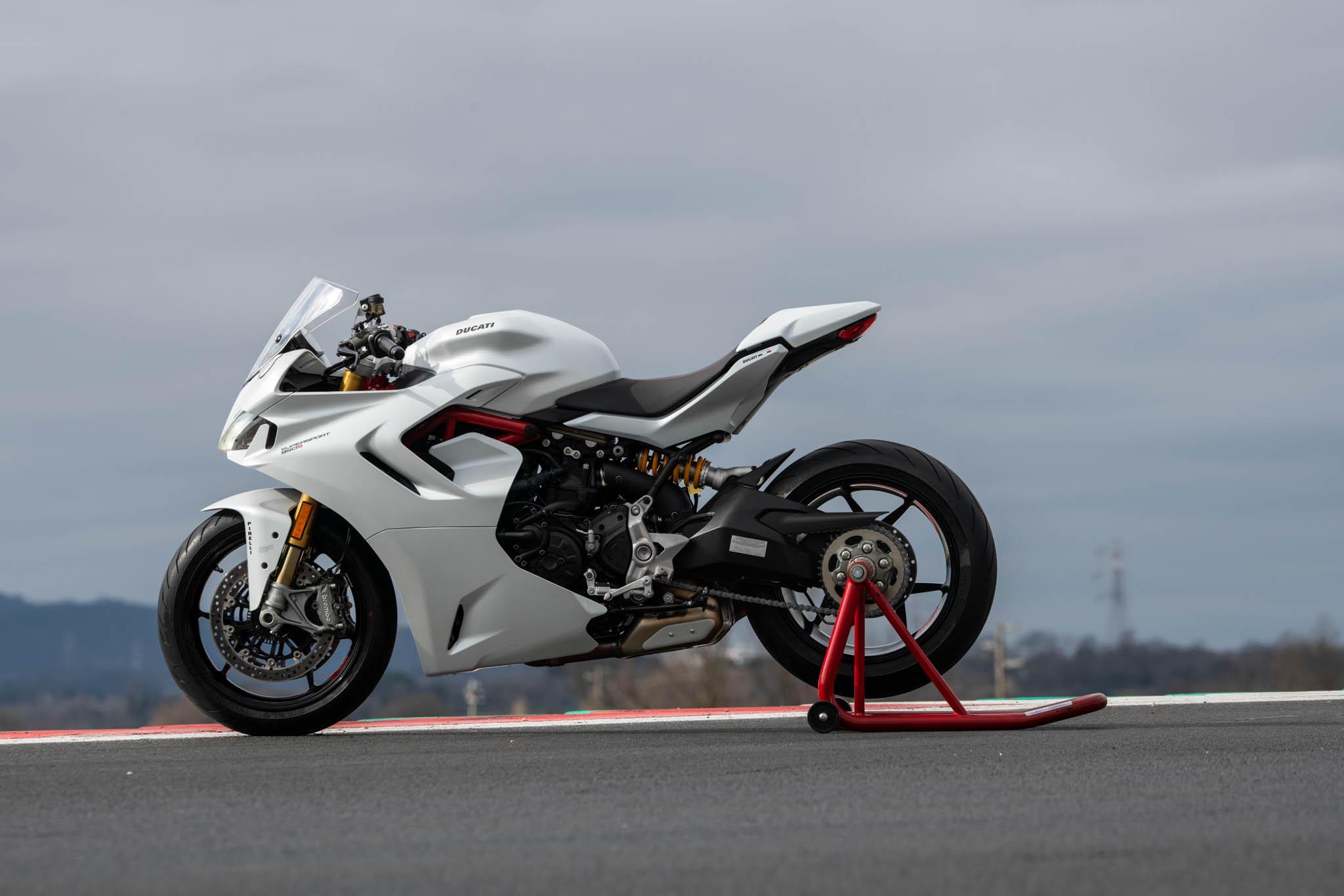 Ducati_SuperSport_950_2021_details-13