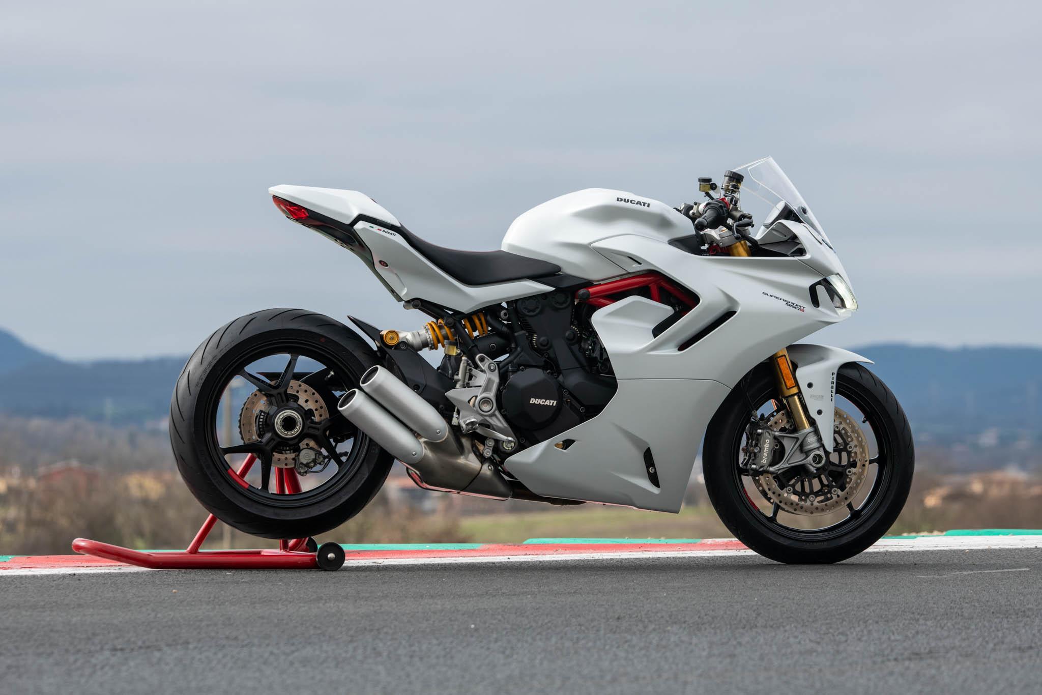 Ducati_SuperSport_950_2021_details-14