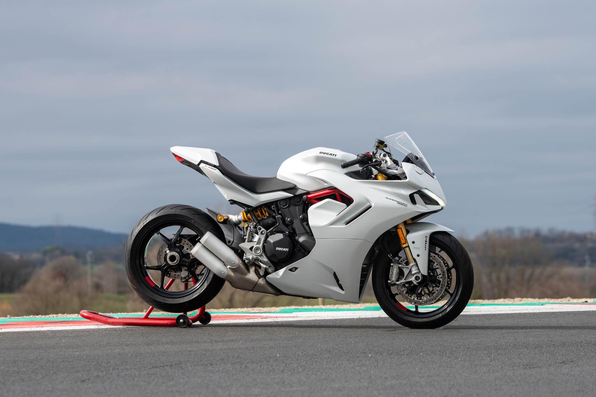 Ducati_SuperSport_950_2021_details-15