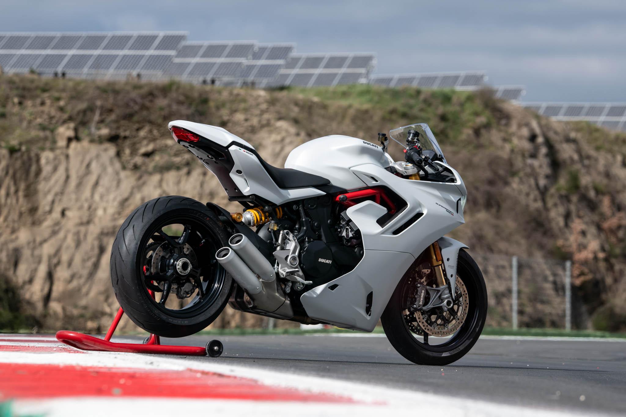 Ducati_SuperSport_950_2021_details-17