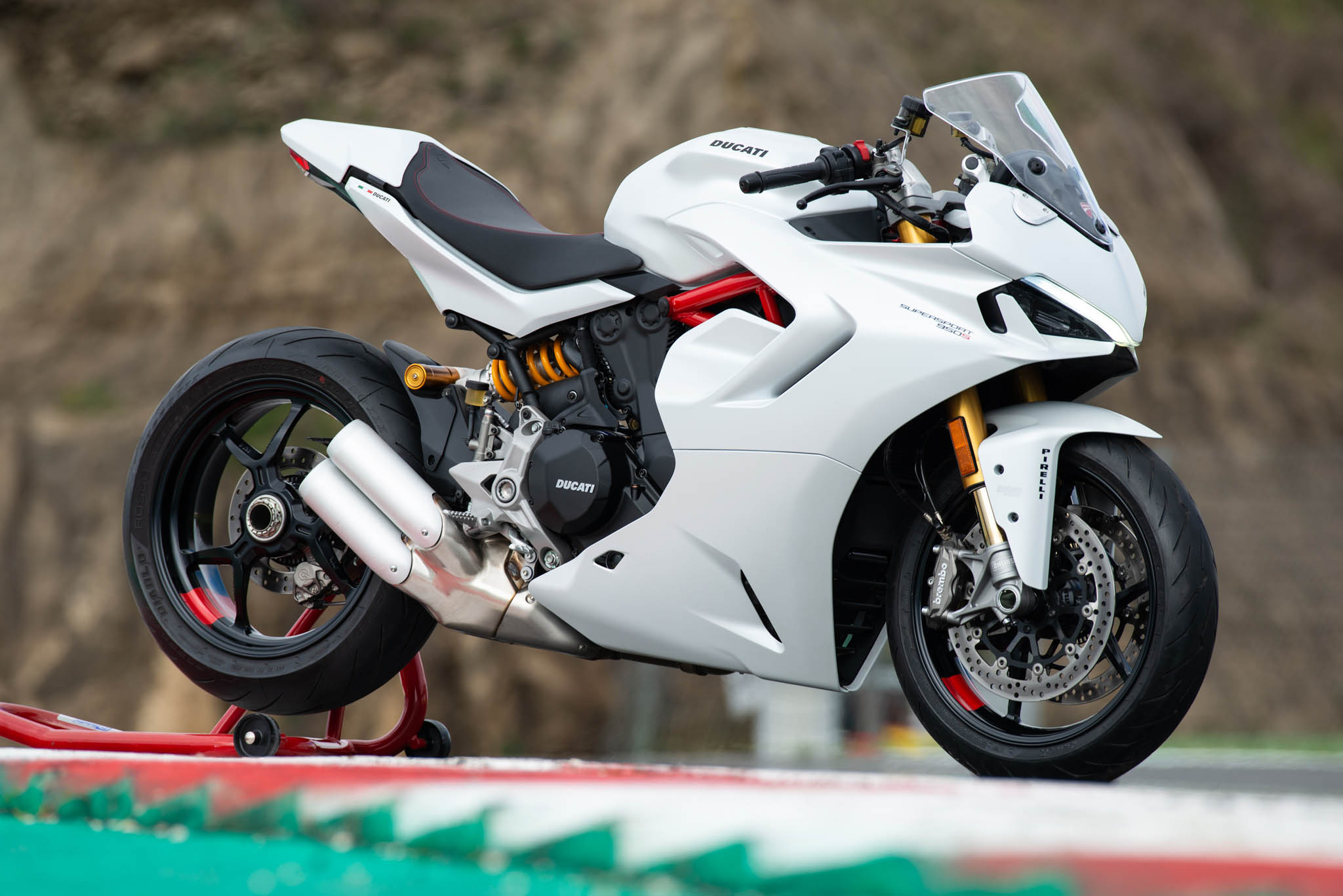 Ducati_SuperSport_950_2021_details-18