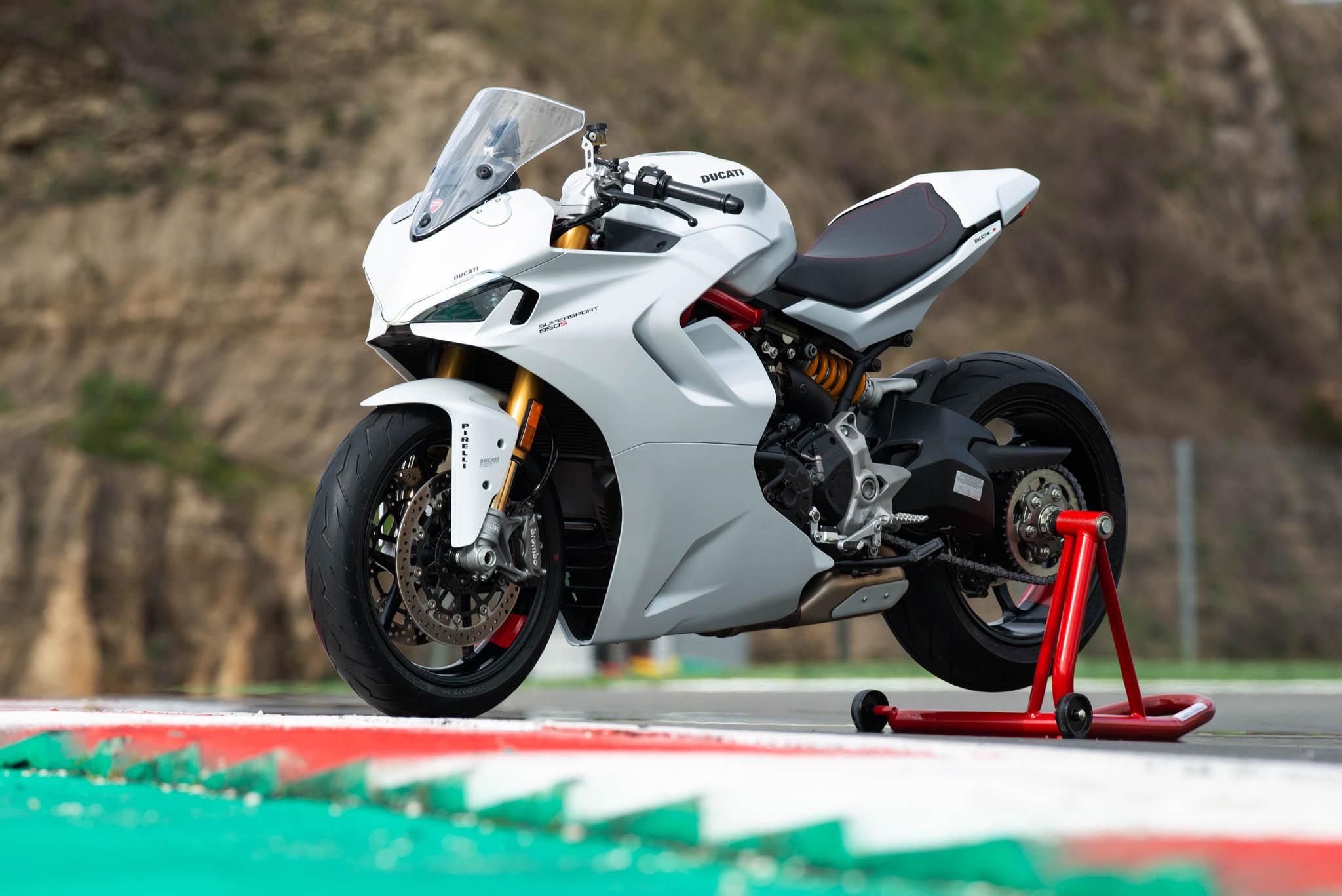 Ducati_SuperSport_950_2021_details-19